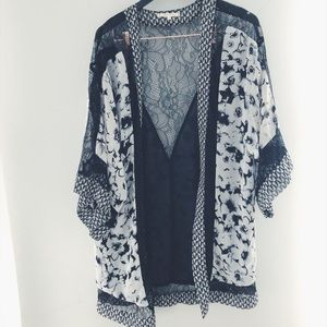 Willow & Clay sheer beach kimono size S. Brand new